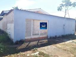 Vende-se uma excelente casa no Bairro Cuniã.