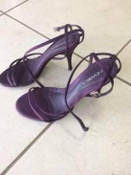 Vendo sandália salto andarella