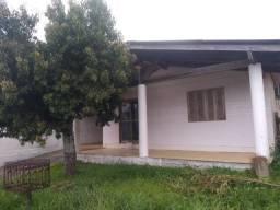Velleda aluga casa com piscina em condomínio fechado, 300 metros da RS040