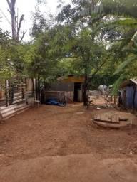 Urgente Casa com 2 cômodos e banheiro dentro de casa
