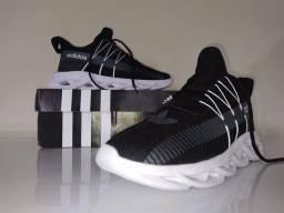 Tênis Adidas Yeezy Maverick n°41