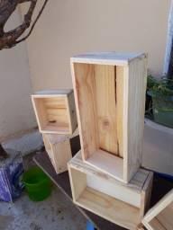 Caixinha de Madeira feita com madeira reaproveitada