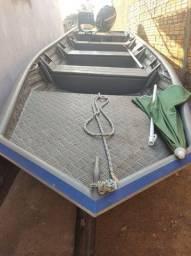 Título do anúncio: Barco Calaça 6m x 1.60 motor Mercury 40 4t carretinha documentada