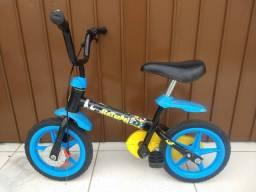 Bicicleta Bandeirantes Batman infantil (tem rodinhas)