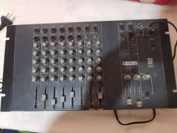 Vendo uma mesa de som