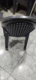 Cadeira plásticas Leia o anúncio por favor