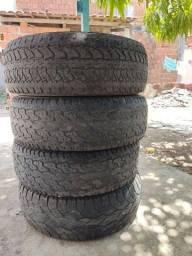 Título do anúncio: Ótima oportunidade vendo pneu meia vida ainda dá para rodar bastante tirado da caminhonete