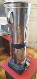 Liquidificador Colombo, 10 litros, R$ 400,00
