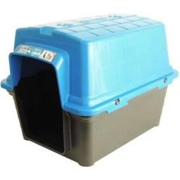 -A Casa Plástica Furacão Pet azul ou verde M - Para cães de porte pequeno