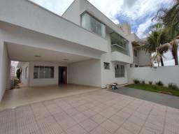 sobrado de 227 m² 4 suites no village veneza em goiania