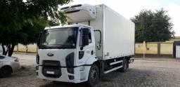 Ford Cargo 1719 Caminhao Toco no Chassi, 2015.