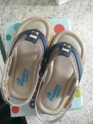 Sandália tamanho 22