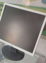 Título do anúncio: Monitor LG 17 Polegadas