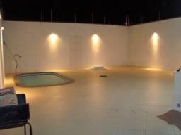Vendo casa com piscina na Aruana