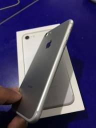 IPhone 7 muito novo