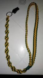 Vende-se torçal ou cordão de apito por encomenda.