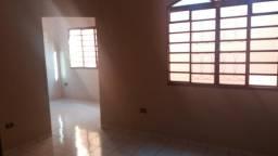 Alugo uma Casa na vila Nasser