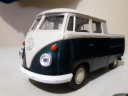 Miniatura Volkswagen Kombi
