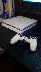 V ou t PS4 slim