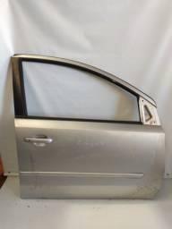 Título do anúncio: Porta Nissan Livina Dianteira Lado Direito