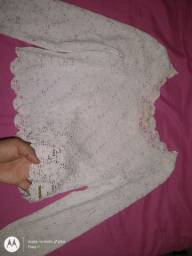 Vendo esta blusa estilo croped