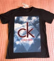Camiseta calvin klein TAM P