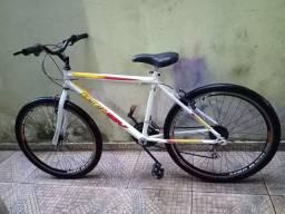 Bicicleta aro 26 semi nova revisada só pedalar