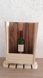 Porta vinho e taças