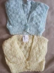 Colete para bebês  feitos em crochê