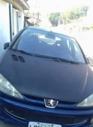 Vendo uma carro Peugeot