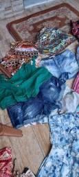 Lote de roupas para brecho