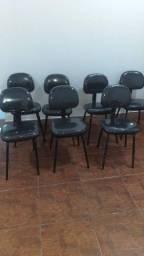 Título do anúncio: Cadeiras pra escritório e mesas