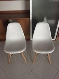 Título do anúncio: Cadeira Eiffel branca