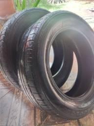 ( Dois pneus  usados )