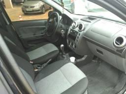 Fiesta Sedan 1.6 - 2011 - 2011