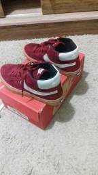 Tênis vermelho Nike.novo na caixa
