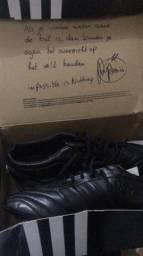 Vendo essa chuteira Adidas nunca usada número 44