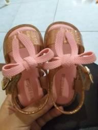 Vendo sapatos de menina