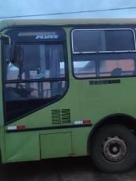 Ônibus carroceria : busscar motor 1721 Mercedez