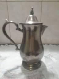 Leiteira antiga banhada à  prata