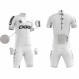 Conjunto ciclista OGGi camisa + bermuda