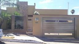 Ref:Office283 Casa com 255 m², 4 quartos em Centro - Inhumas - GO