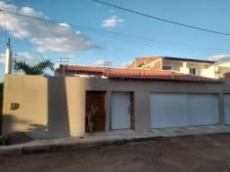 Vende-se casa no Bairro AABB - Serra Talhada-PE, com 4 quartos,