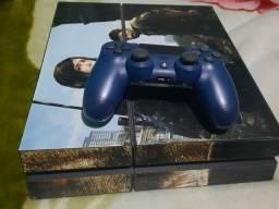 PS4 com 8 jogos, 3 na memória e 5 físicos.