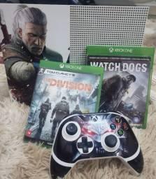 Vendo Xbox One S 1Tb- Adesivado The Witcher 3