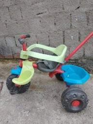 Título do anúncio: Triciclo infantil bandeirantes usado.