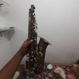 Sax alto envelhecido