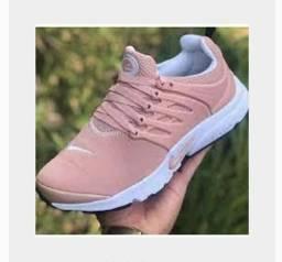 Tênis Nike feminino<br><br>