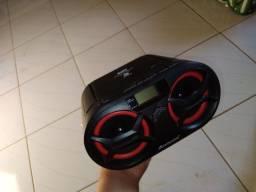 Vende se som AMVOX TOCA CD Pen drive é pega radio é tbm Bluetooth