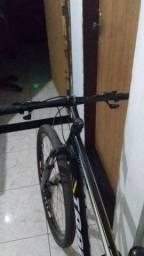 Bicicleta aro 29 em ótimo estado